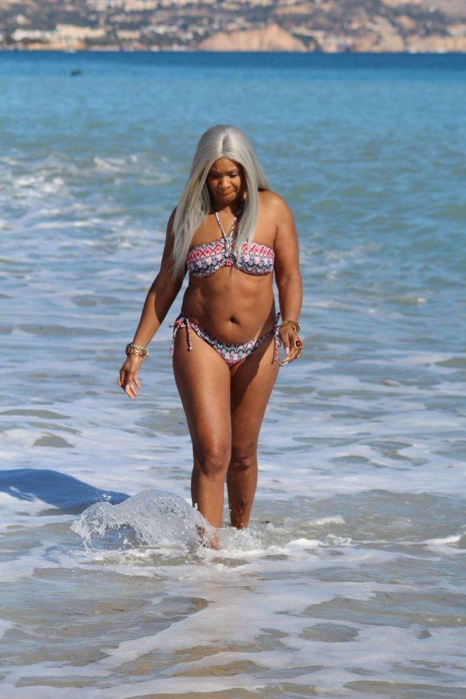 Sandi Bogle: Bikini Candids -45