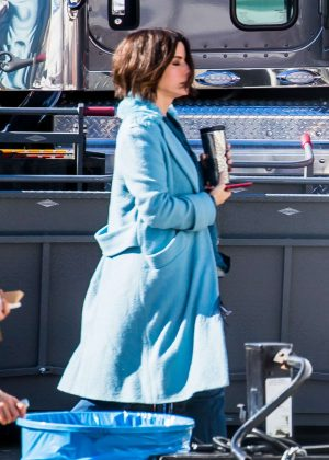 Sandra Bullock and Sarah Paulson on set of 'Bird box' in Los Angeles