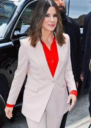 Sandra Bullock - Arrives a screening for 'Birdbox' in New York City