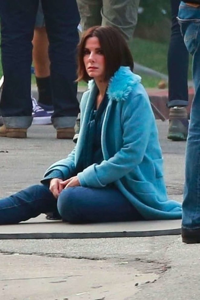 Sandra Bullock - Filming a scene for her new movie 'Bird Box' in Los Angeles