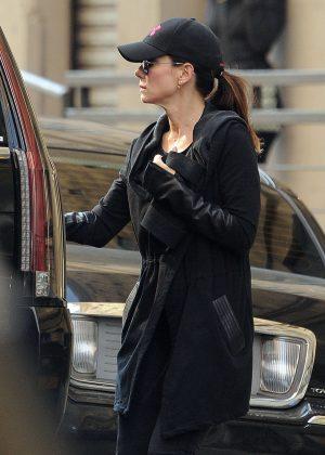 Sandra Bullock in Black out in New York