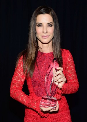 Sandra Bullock - People's Choice Awards 2016 in Los Angeles