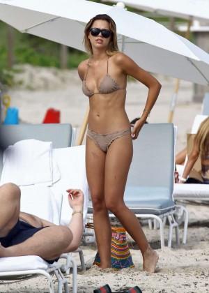 Sandra Kubicka: Hot in Bikini -16