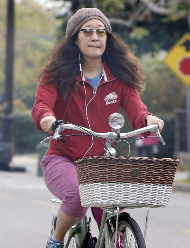 Sandra Oh bike ride in Los Angeles