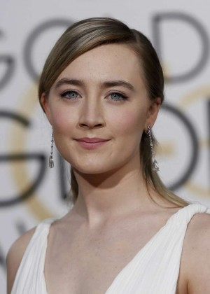 Saoirse Ronan: 2016 Golden Globe Awards -01