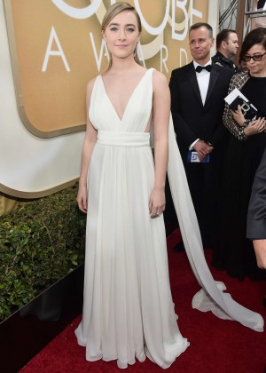 Saoirse Ronan: 2016 Golden Globe Awards -02