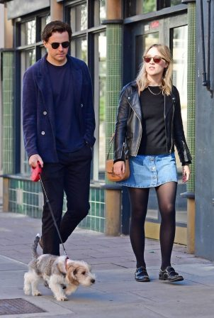 Saoirse Ronan and Jack Lowden - Out for a stroll and breakfast in London