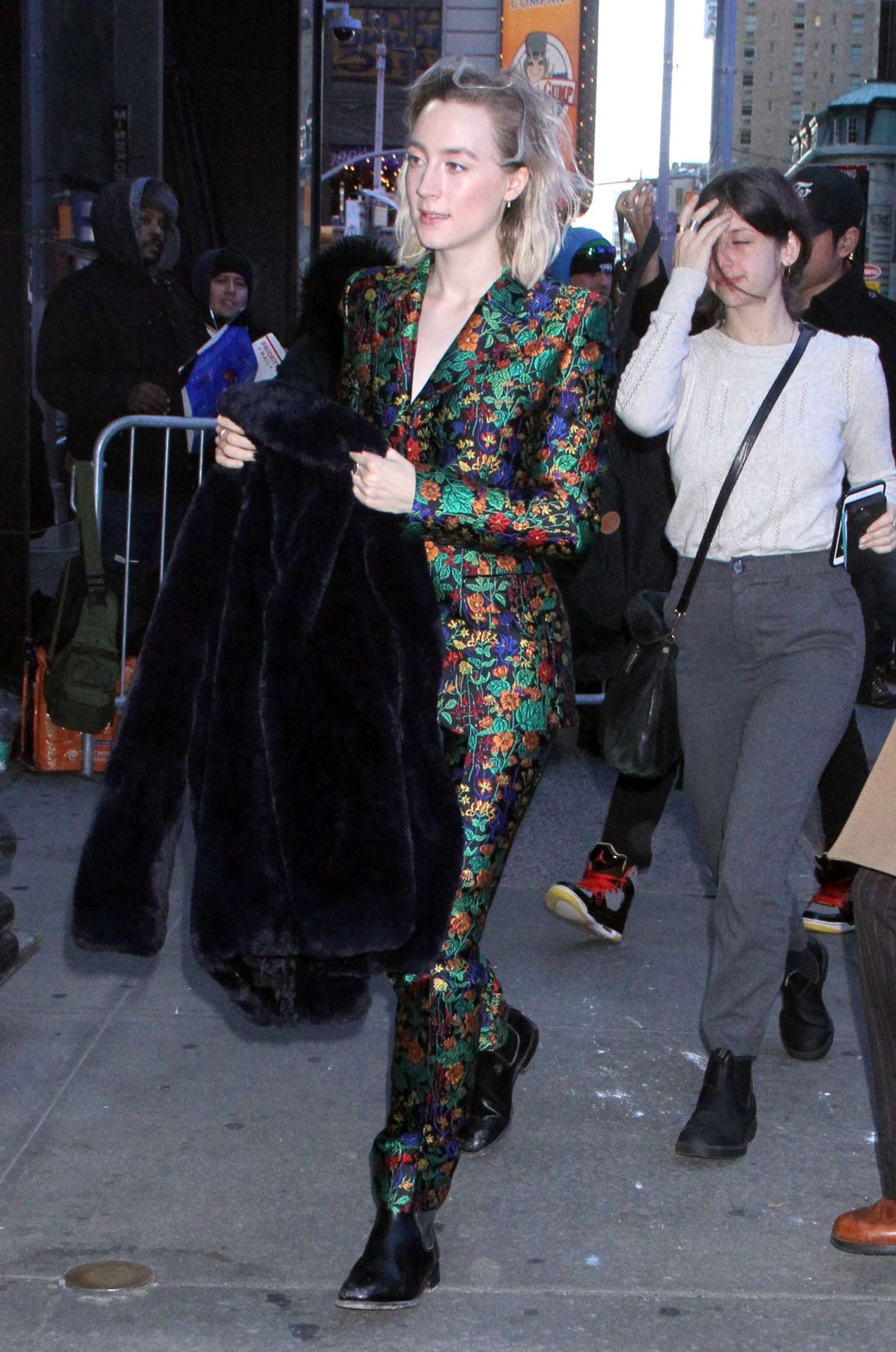 Saoirse Ronan - Arrives at 'Good Morning America' in NYC