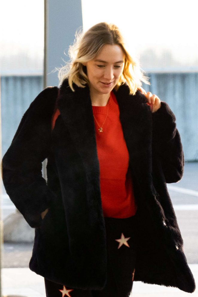 Saoirse Ronan - Arrives at Heathrow Airport in London