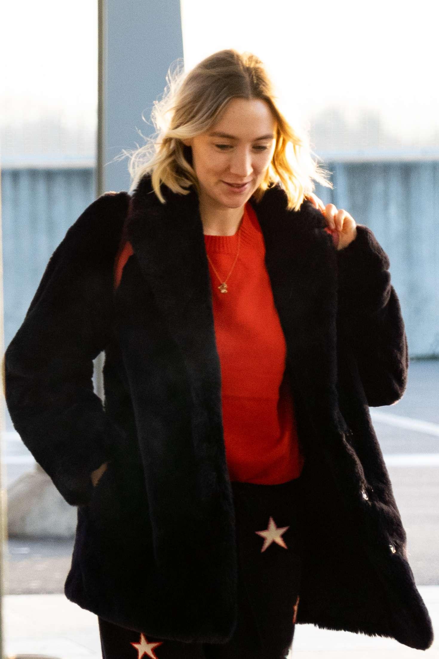 Saoirse Ronan - Arrives at Heathrow Airport in London