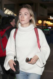 Saoirse Ronan - Arrives at LAX airport in Los Angeles