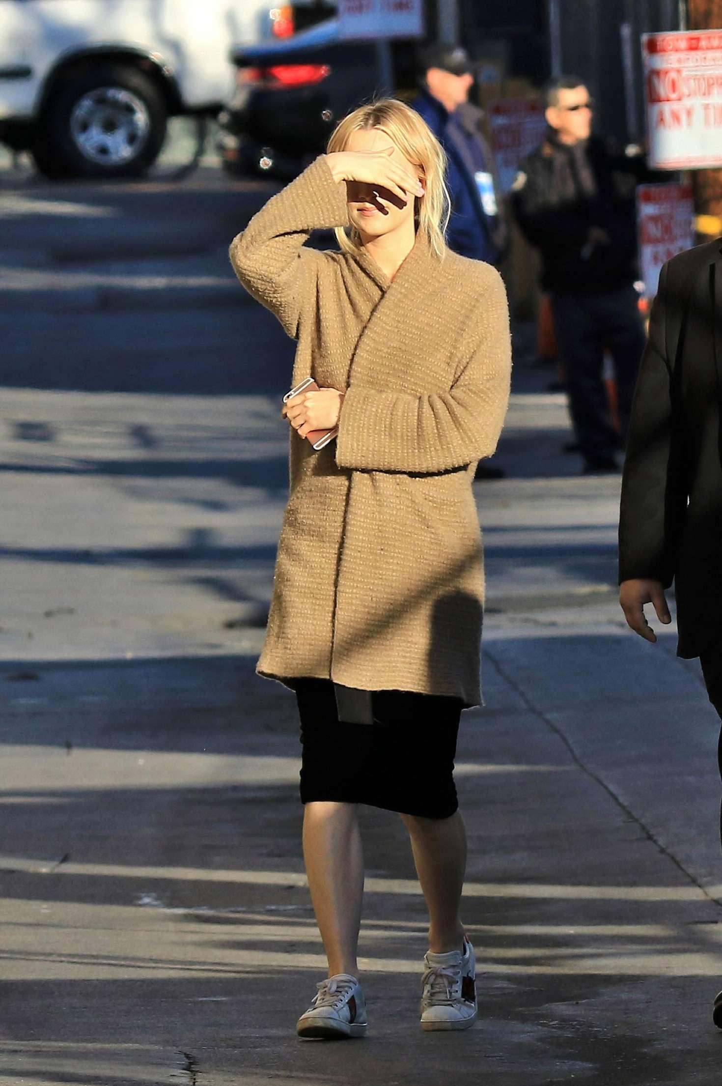 Saoirse Ronan 2018 : Saoirse Ronan: Arriving at Jimmy Kimmel Live -13