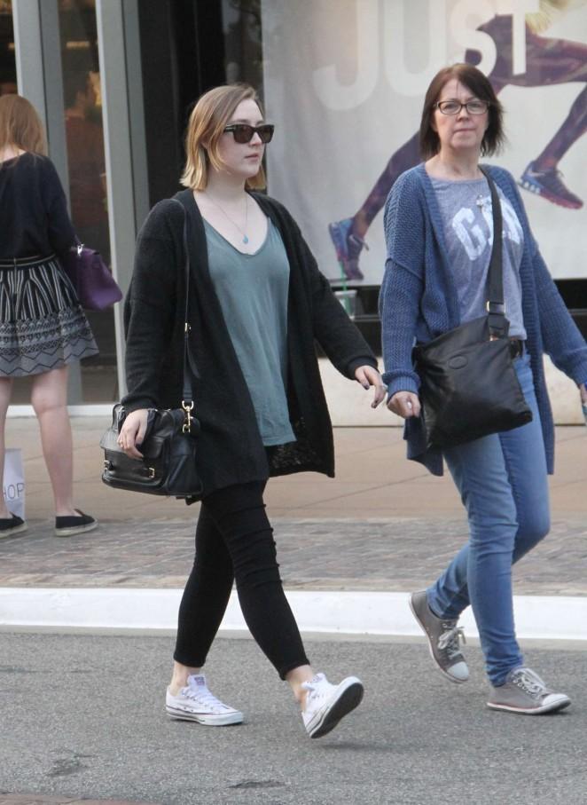 Saoirse Ronan - Shopping in Hollywood