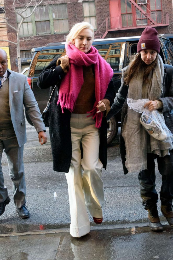 Saoirse Ronan - Wears a pink scarf out in NYC