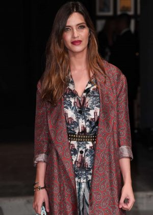 Sara Carbonero - Burberry Show at 2017 LFW in London