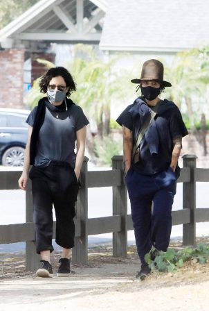Sara Gilbert and Linda Perry - out and about in Los Angeles
