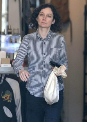 Sara Gilbert - Shopping in Hollywood