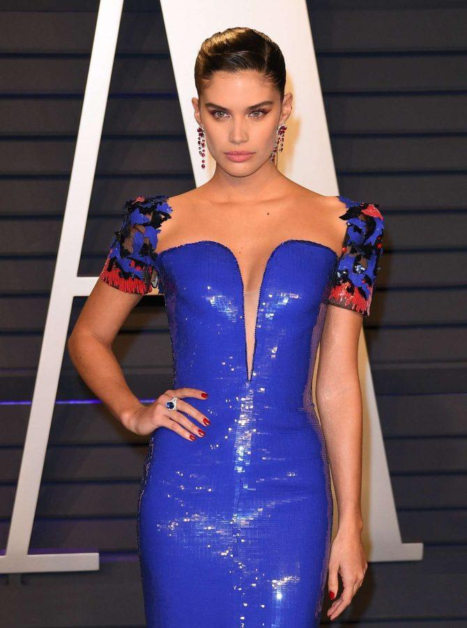 Sara Sampaio - 2019 Vanity Fair Oscar Party in Beverly Hills