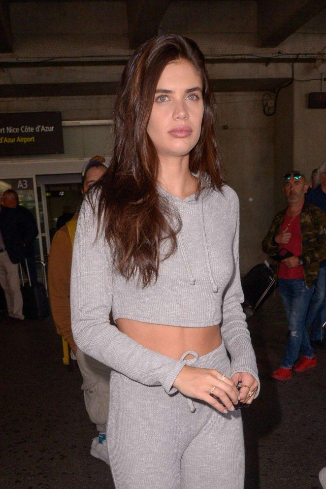 Sara Sampaio – Arriving at Nice Airport