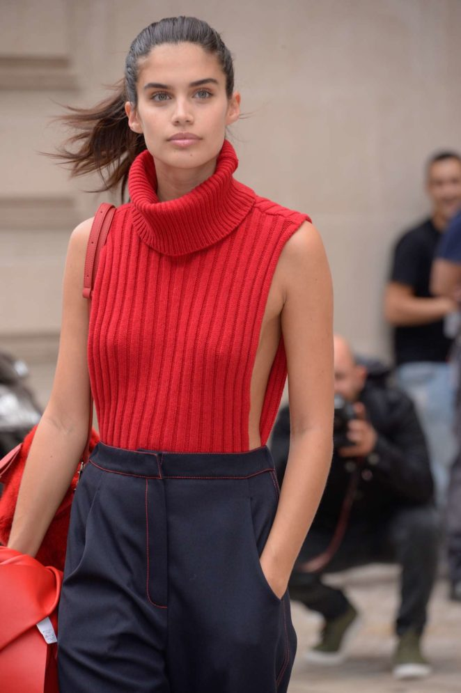 Sara Sampaio - Balmain show - Spring Summer 2018 - 2017 Paris Fashion Week in France