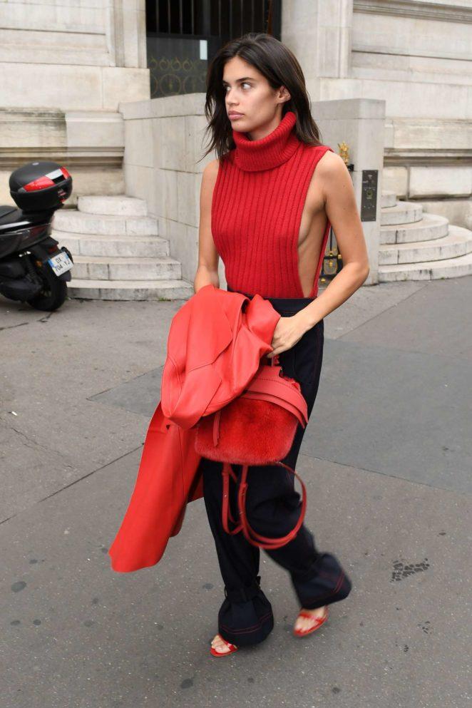 Sara Sampaio: Balmain show – Spring Summer 2018 – 2017 Paris Fashion Week in France-11
