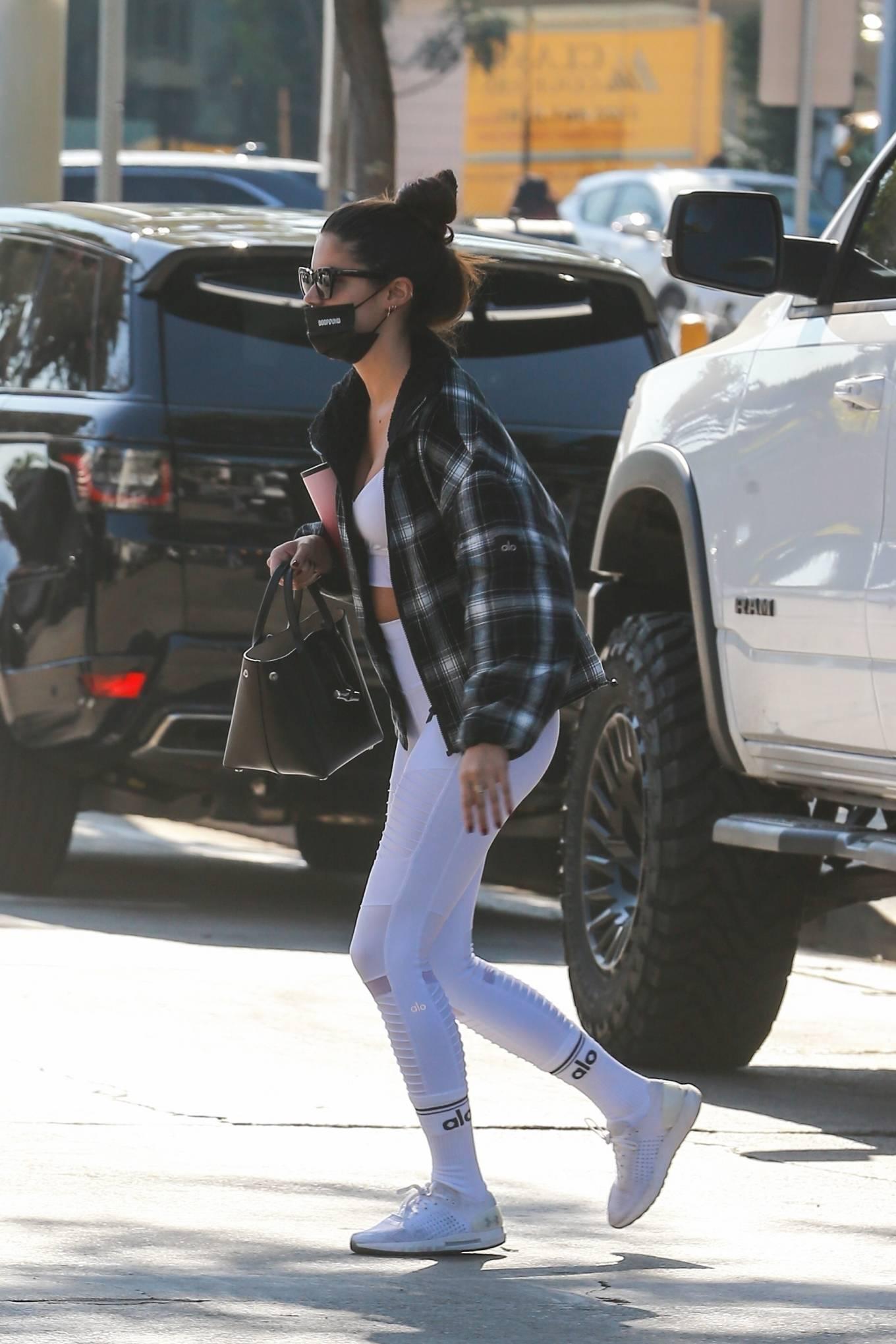 Sara Sampaio 2020 : Sara Sampaio – In white leggings heads to the gym in Los Angeles-17