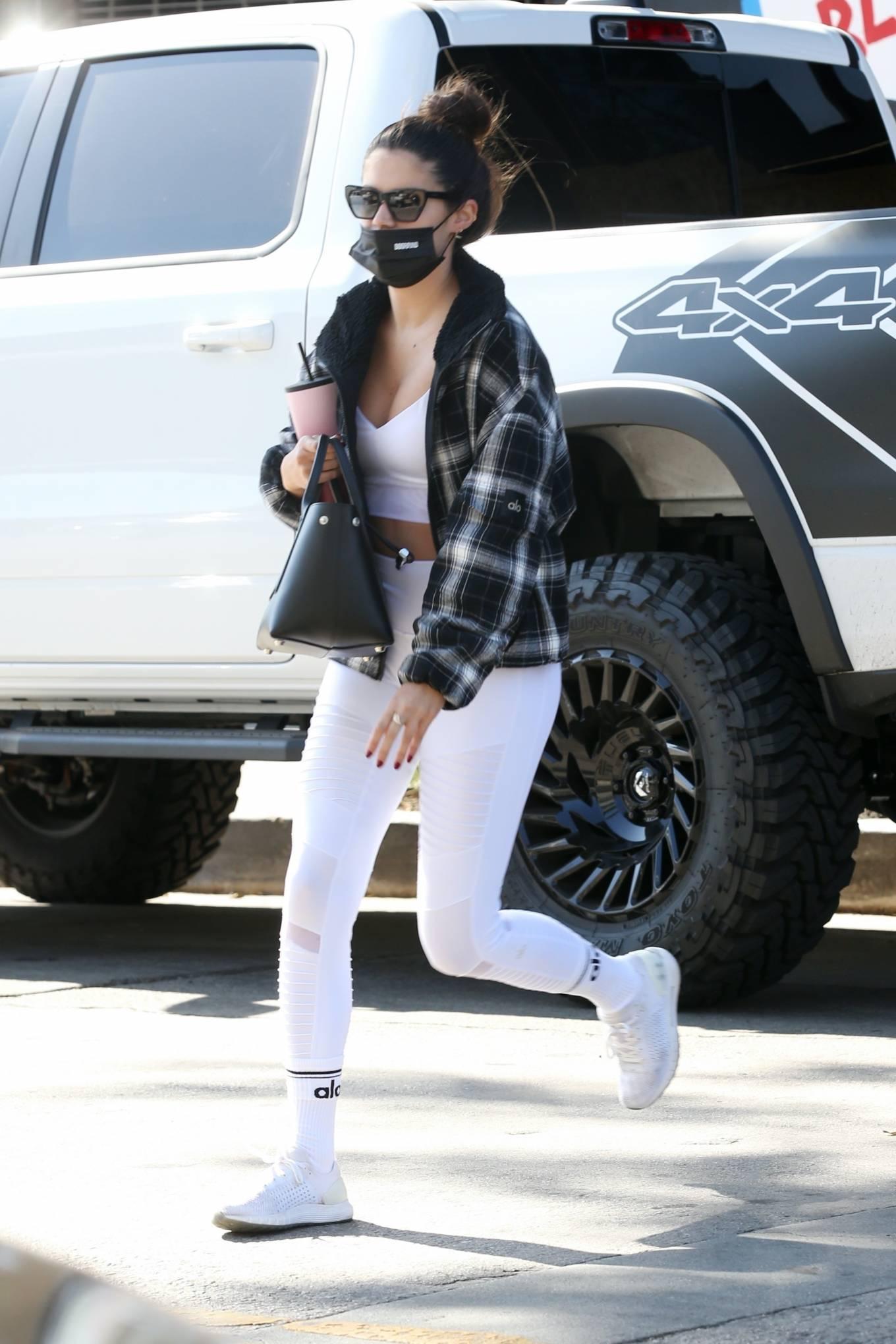 Sara Sampaio 2020 : Sara Sampaio – In white leggings heads to the gym in Los Angeles-34