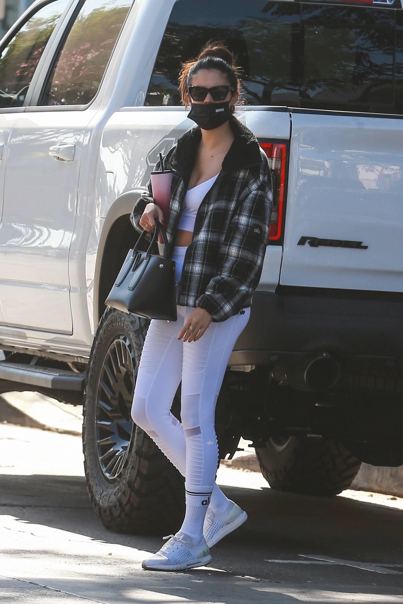 Sara Sampaio 2020 : Sara Sampaio – In white leggings heads to the gym in Los Angeles-48