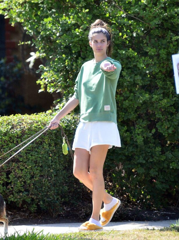 Sara Sampaio - Seen walking her dogs Kyta and South in Los Angeles