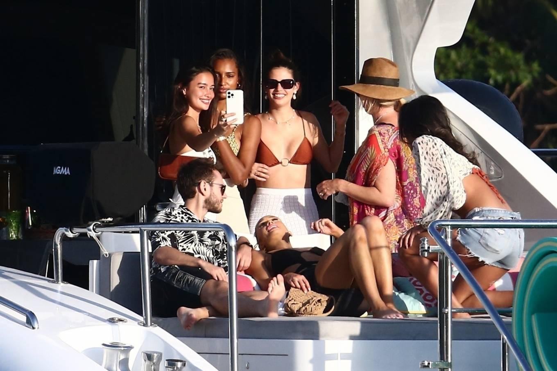Sara Sampaio 2021 : Sara Sampaio, Shanina Shaik and Jasmine Tookes – The Victorias Secret yacht party in Miami Beach-37