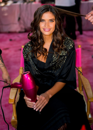 Sara Sampaio - Victoria's Secret Fashion Show 2018 Backstage in NY