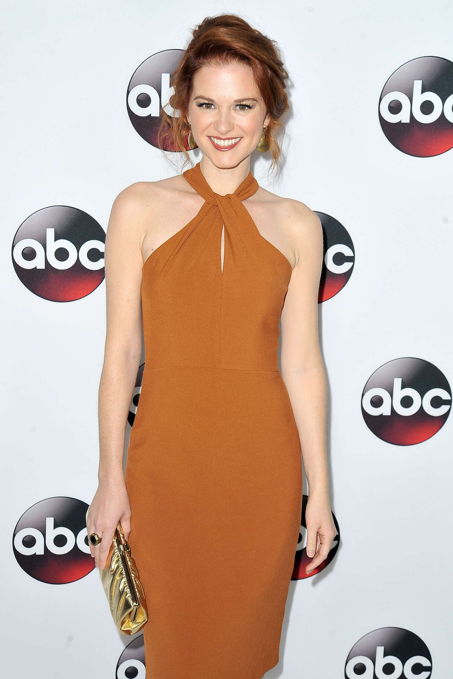 sarah drew  u2013 disney  abc 2016 winter tca press tour in