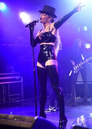 Sarah Harding: Performing at GAY -11