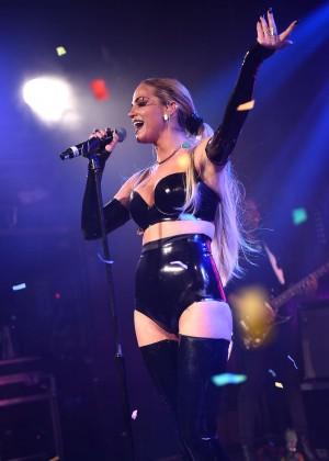 Sarah Harding: Performing at GAY -29