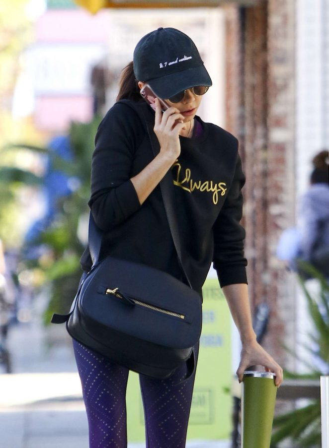 Sarah Hyland - Arriving at Pilates in Los Angeles