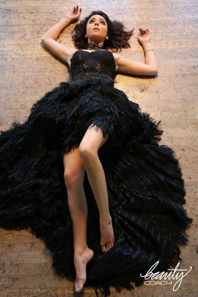 Sarah Hyland: Beauty Coach Shoot 2016 -12
