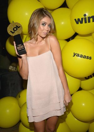 Sarah Hyland - Buzzies BuzzFeed's PreEmmy Party in West Hollywood