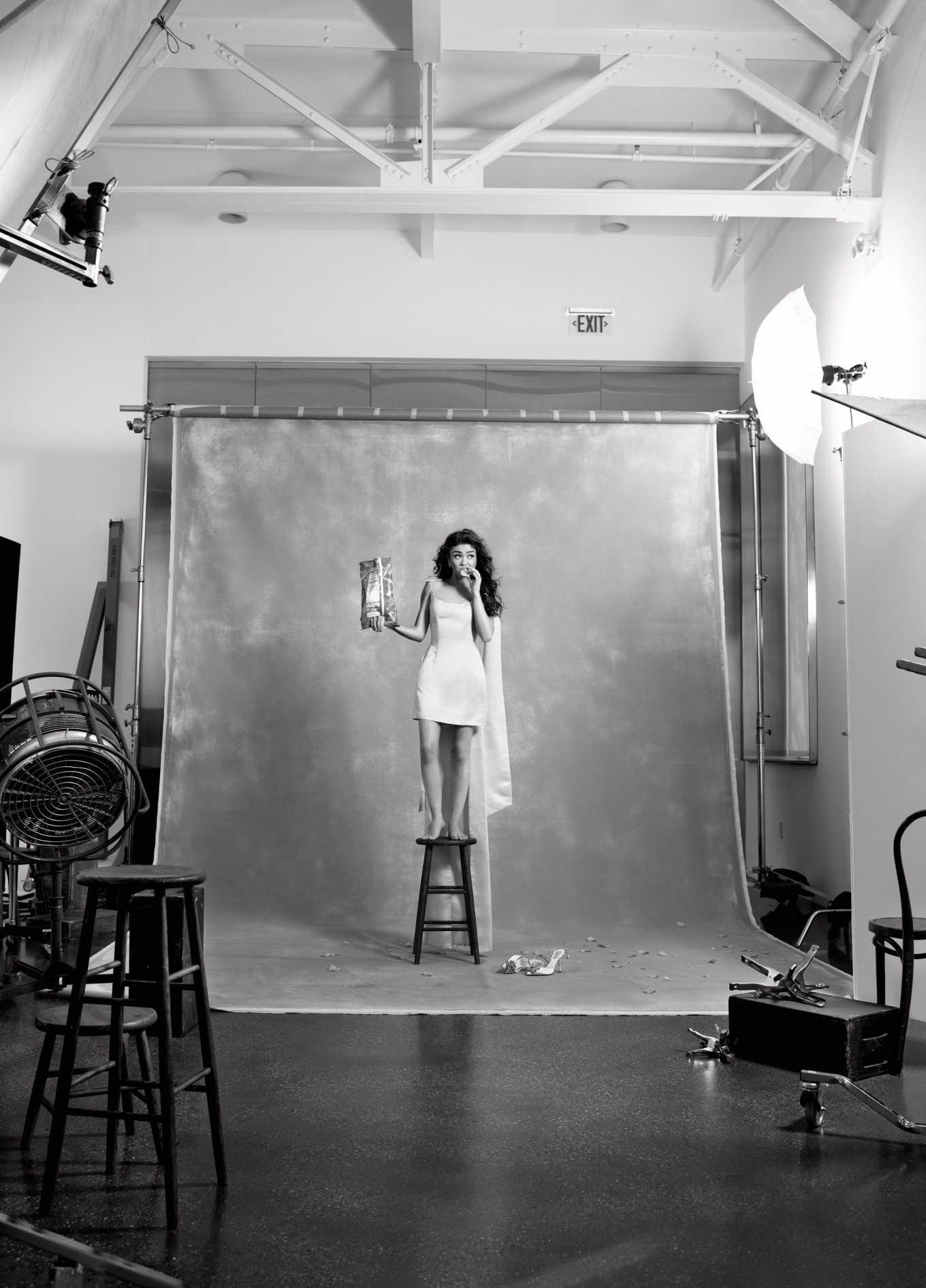 Sarah Hyland 2020 : Sarah Hyland – Cosmopolitan Magazine 2020-06