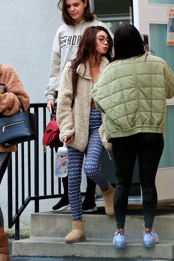 Sarah Hyland - Heads to the gym in Studio City