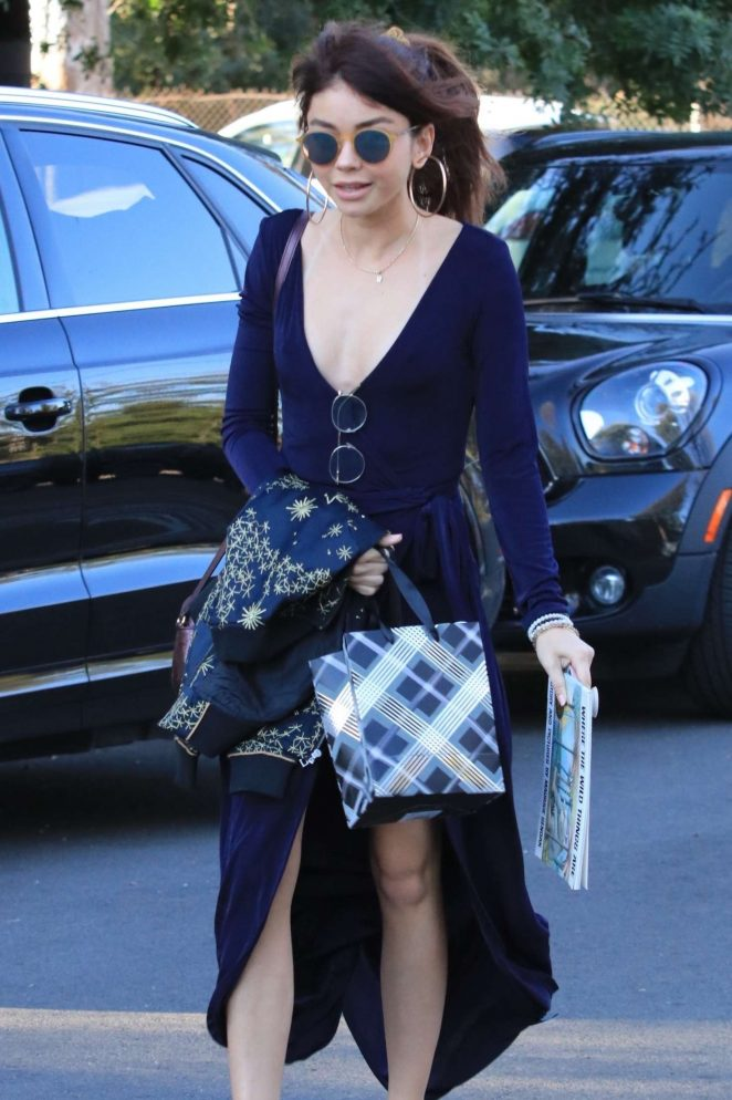 Sarah Hyland in Long Dress – Arriving to a party in Studio City