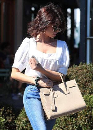 Sarah Hyland - Leaves Nine Zero One Salon with a new hair style in LA