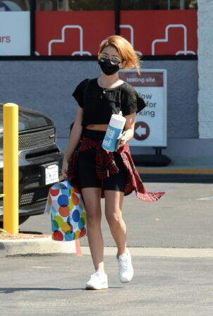 Sarah Hyland - Leaving a CVS in Los Angeles