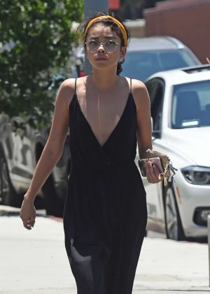 Sarah Hyland - Leaving a day spa in Los Angeles