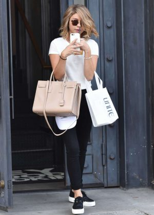 Sarah Hyland - Leaving a Salon in West Hollywood