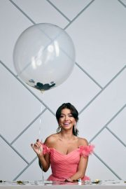 Sarah Hyland - Modern Family Season 11 Cast Portraits 2019