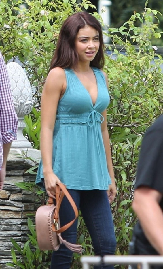 Sarah Hyland - On set for the final season of 'Modern Family' in Los Angeles