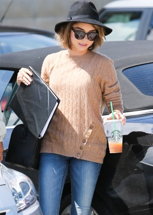 Sarah Hyland in Jeans Out in Culver City