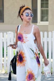 Sarah Hyland - Out for lunch in Studio City