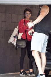 Sarah Hyland - Seen while leaving the Dogpoung Gym in West Hollywood