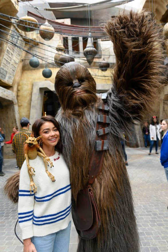 Sarah Hyland - Star Wars: Galaxy's Edge - Adventure